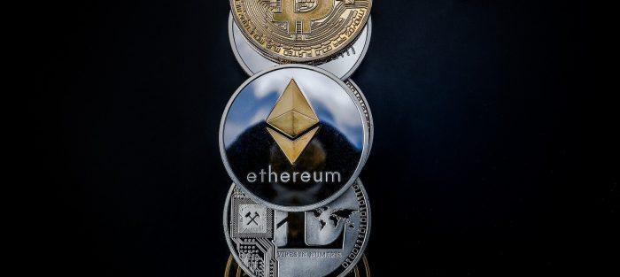 Cena kryptoměny ethereum, která je největším konkurentem bitcoinu, dnes poprvé překročila hranici 3000 dolarů (zhruba 64.500 Kč). Od začátku roku si tak ethereum připisuje více než 300 procent, zatímco bitcoin méně než 100 procent, vyplývá z údajů obchodní platformy Bitstamp.