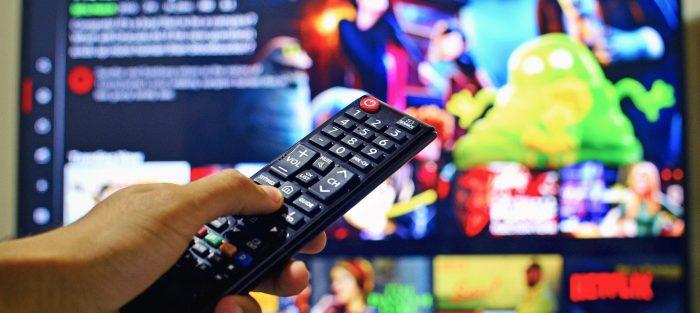 netflix, streamování, streamovací služby, streaming, televize, tv, sledování