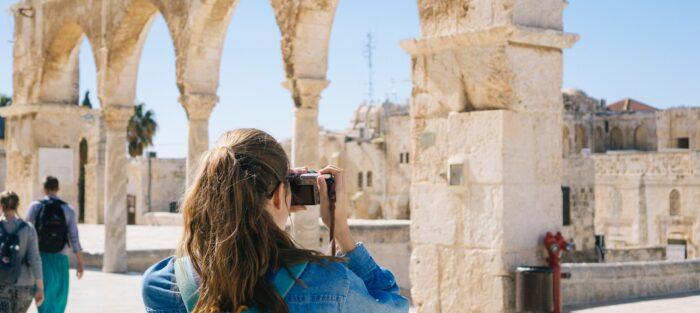turistka, památky, turisté, cestování